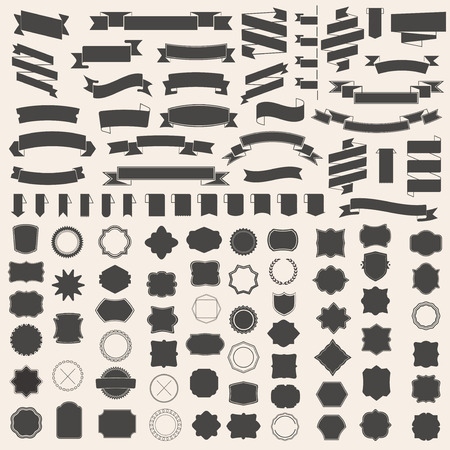 insignias: Conjunto de cintas y el marco, la insignia, etiqueta. plantillas de vectores para su diseño