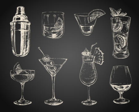 Conjunto de cócteles de croquis y alcohol bebe fondo negro Ilustración de vector
