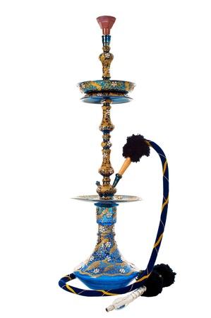 Ein verzieren syrischen Shisha oder Hooka-Wasser-Leitung mit einem keramischen Kopf, isoliert auf weiss. Standard-Bild