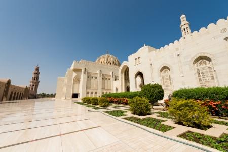grand design: Sultan Qaboos Grand Mosque in Muscat, Oman