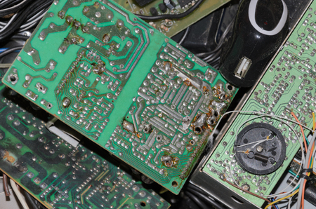 Boards and circuits burnt with some cables around 版權商用圖片 - 71795925