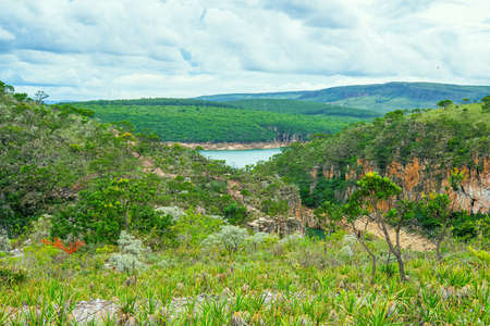 Landscape of the Cerrado Mineiro at Capitólio MG, Brazil. View to the canyons, the Lake of Furnas and the green native vegetation. 版權商用圖片