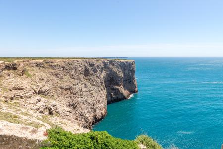 overhanging: Saint Vincent cape, view of the atlantic ocean coast near the city of Sagres, Algarve, Portugal