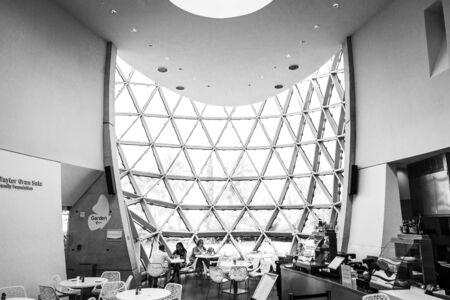 Saint Petersburg, USA - jun 16, 2018: Black and White view of the Salvador Dali museum Archivio Fotografico - 128262818