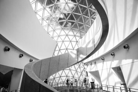 Saint Petersburg, USA - jun 16, 2018: Black and White view of the Salvador Dali museum Archivio Fotografico - 128262940