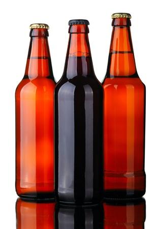 schwarzbier: Flaschen Lager und dunkles Bier aus braunem Glas isolated on a white Background.