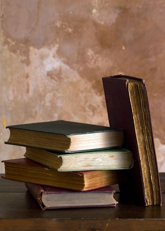 Old hardback books on a shelf Stock Photo - 5562455