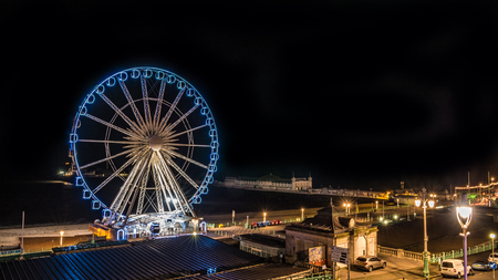 brighton: View of  the Brighton wheel and the pier at night