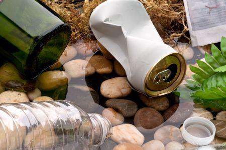 botar basura: Destartalados un secuencia: reciclaje de basura