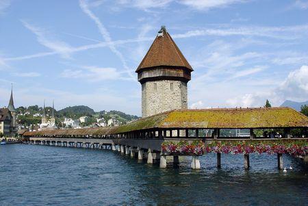 schweiz: Wooden bridge in Lucerne