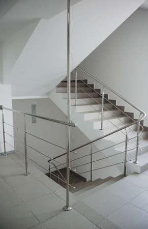 事務所ビルの階段
