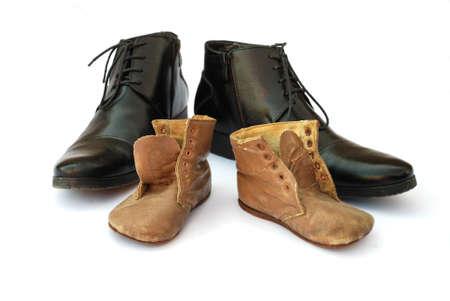 古いものと新しい靴