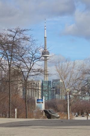 トロントの水辺地帯、オンタリオ, カナダ - 2 月 2016t 年頃: ビューの CN タワー、オンタリオのオンタリオ場所なるから