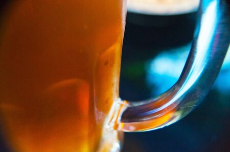 Closeup of a glass of fresh and cold beer Imagens