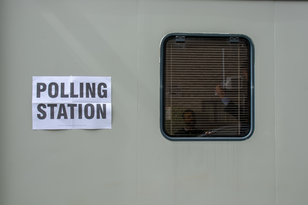 Beverley, England - May, 2, 2019: exterior close up of polling booth for local government elections Foto de archivo - 121894642