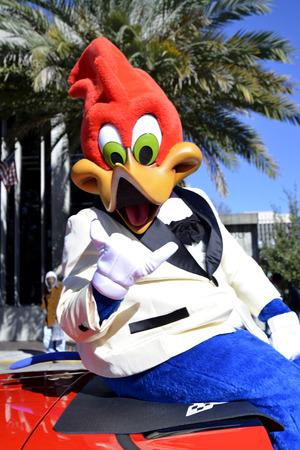p�jaro carpintero: ORLANDO FL-18 de enero 2014 - El P�jaro Loco de Universal Studios durante el desfile de Martin Luther King en Orlando Florida Editorial