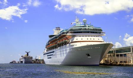 miami florida: Miami Florida Cruise Ship view August 1-2011