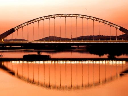 River at night, Merida,Badajoz province, Spain Stock Photo - 13989740
