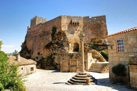 Castelo medieval de Sortelha, Portugal Banco de Imagens