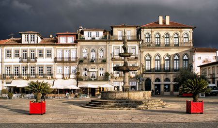 portugese: Main square Largo de Camoes with the fountain in Ponte de Lima