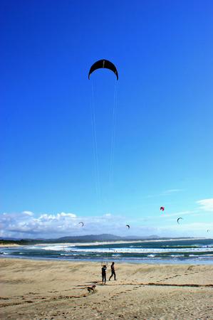 kite surfing: Kite surfing in Cabedelo beach in Viana do Castelo
