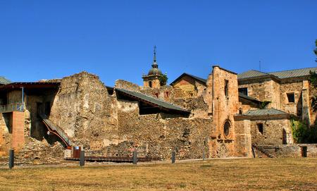 Ruínas do monastério de Carracedo no Bierzo, Espanha