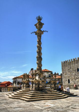 Pillory in front of the main facade of the Cathedral of porto in Portugal Stock Photo - 71979644
