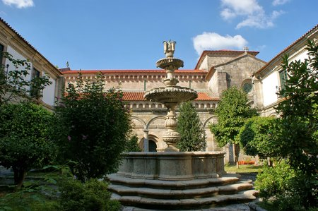 Cloister of romanesque monastery of Pa?o de Sousa in Penafiel, north of Portugal Banco de Imagens - 81778356