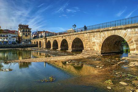 Roman bridge of Trajano, Chaves, Portugal Banco de Imagens - 92410181