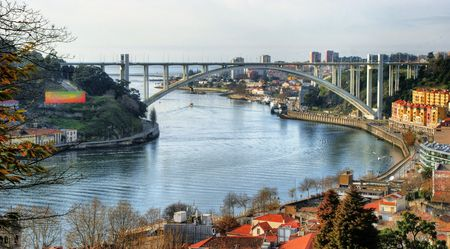Panoramic view over Arrabida bridge in Oporto, Portugal Banco de Imagens