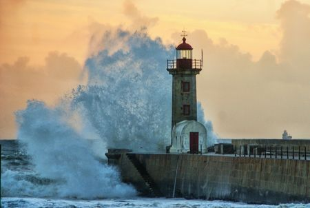 Storm in Oporto lighthouse, Portugal Banco de Imagens - 103162987