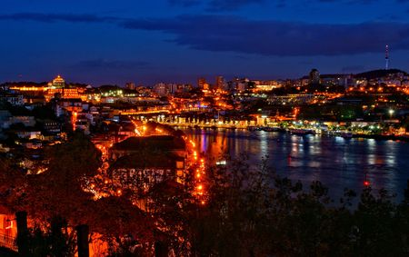 Douro river night view in Porto, Portugal Banco de Imagens - 122108721