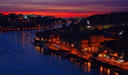 Scenic view over Luis I bridge in Oporto, Portugal Banco de Imagens - 122108514