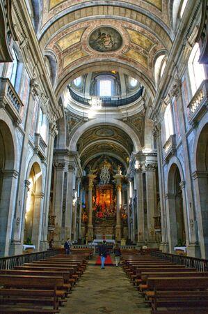 Inside church of Bom Jesus in Braga (Portugal) World Heritage Banco de Imagens - 128074767