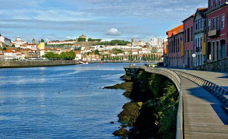 Gaia quay waterfront overlooking Porto, Portugal Banco de Imagens - 132892343