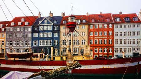 The colorful port of Nyhavn in Copenhagen, Denmark Banco de Imagens