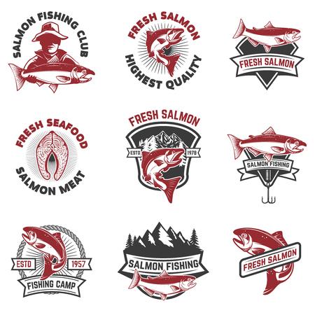 Définir des emblèmes de la pêche au saumon. Les éléments de design pour le logo, l'étiquette, signe. Vector illustration.