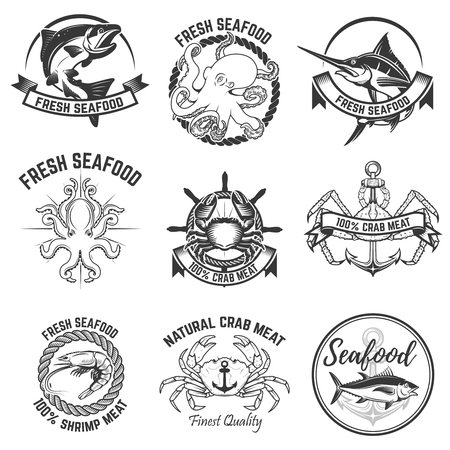 白い背景に分離された魚介類のラベルのセット。ロゴ、ラベル、バッジ、看板のデザイン要素です。ベクトルの図。