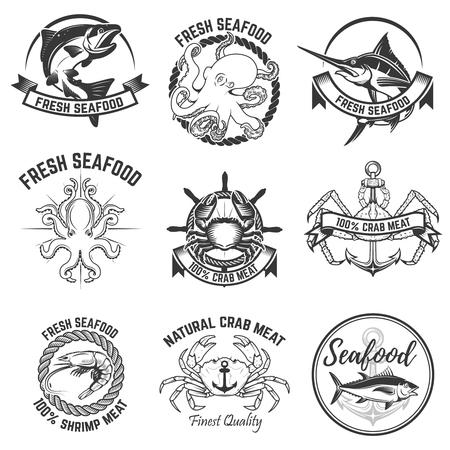 Conjunto de rótulos de frutos do mar, isolado no fundo branco. Elemento de design para logotipo, etiqueta, distintivo, sinal. Ilustração vetorial. Foto de archivo - 74864267