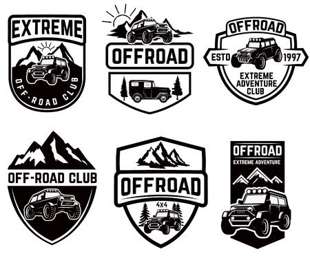Set van vier off-road suv auto emblemen. Extreme avontuurlijke club. Vector illustratie