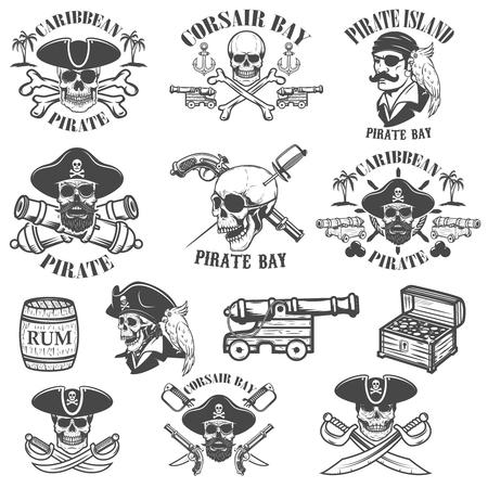 Set van piraten emblemen geïsoleerd op een witte achtergrond. Ontwerpelementen voor logo, label, embleem, teken. Vector illustraties.