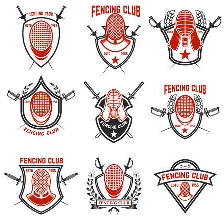 Set van schermen club labels. Schermen van zwaarden. Ontwerpelementen voor embleem, teken, badge. Vector illustratie Stock Illustratie