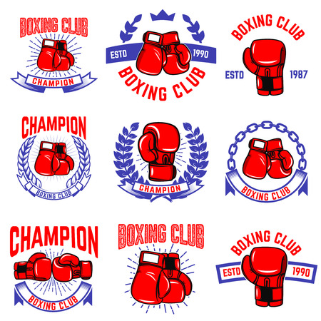 Set di emblemi del club di boxe. Guanti da box. Elementi di design per logo, etichetta, distintivo, segno, marchio. Illustrazione vettoriale Archivio Fotografico - 83032356