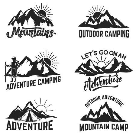 山の冒険、アウトドア、キャンプ、ハイキング、観光ラベル、バッジ、エンブレムのセットです。ベクトル図