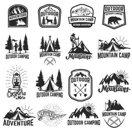 Set of camping emblems isolated on white background. Hiking, tourism, outdoor adventure. Design elements for logo, label, emblem, sign. Vector illustration Çizim