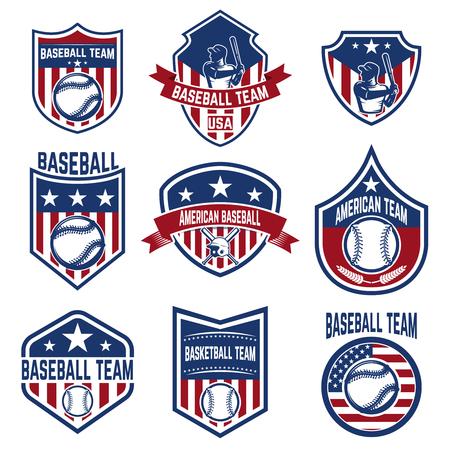野球エンブレムのセットです。野球大会。ロゴ、ラベル、紋章、記号の要素をデザインします。ベクトル図  イラスト・ベクター素材