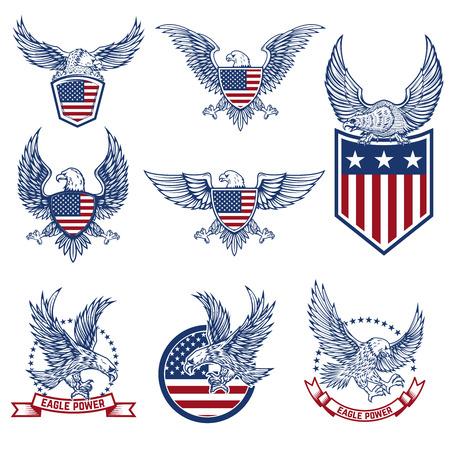 Set emblemen met adelaars en Amerikaanse vlaggen. Ontwerpelementen voor logo, label, embleem, teken. Vector illustratie