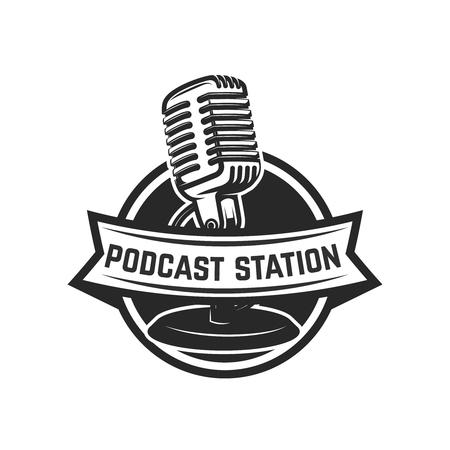Estación de podcast. Plantilla de emblema con micrófono retro. Elemento de diseño para logotipo, etiqueta, emblema, signo. Ilustración vectorial Logos