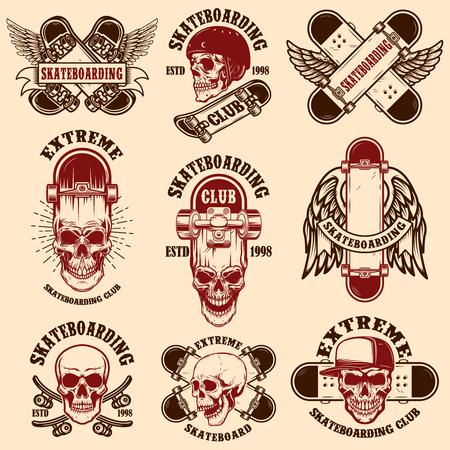 Set of skateboarding club emblems with skulls. Vector illustration Archivio Fotografico - 118001129