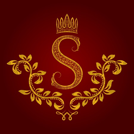 pretentious: Patterned golden letter S monogram in vintage style. Heraldic coat of arms. Baroque template.